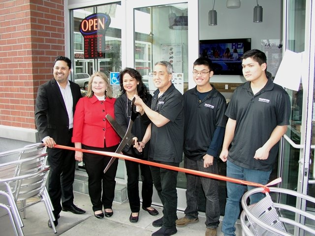 Evergreen's Hom Family Celebrates The Grand Opening of Vitality Bowls In South San Jose